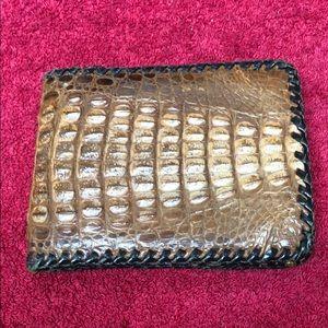 Men's Vintage Alligator wallet in very good cond.